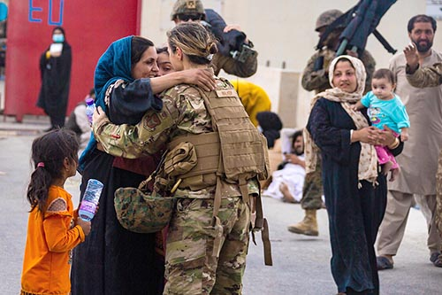 afghan-refugees-1-airport-reunion-1200x800